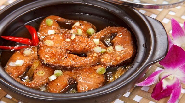 Cách làm món cá basa kho tộ cho bữa ăn gia đình ngon miệng