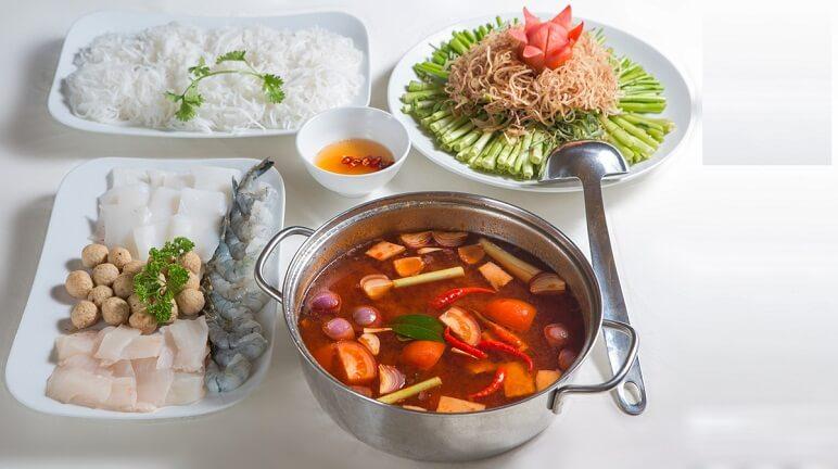 Ngon miệng với cách nấu lẩu Thái chua cay