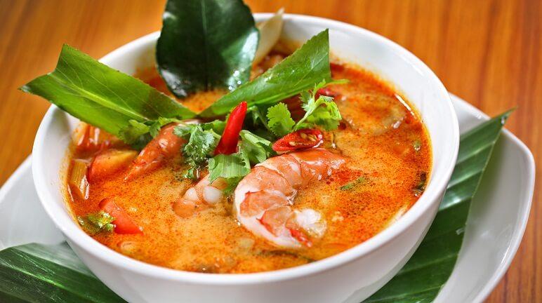Đổi vị với cách nấu lẩu Thái cốt dừa đặc biệt thơm ngon