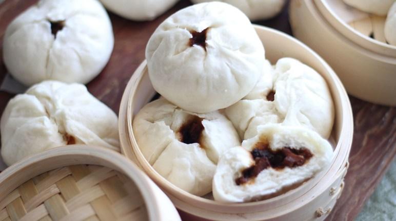 Cách làm bánh bao nhân xá xíu truyền thống người Hoa