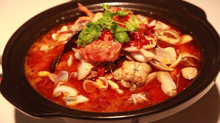 Nấu lẩu Thái ngon ngất ngây ấm áp ngày mưa