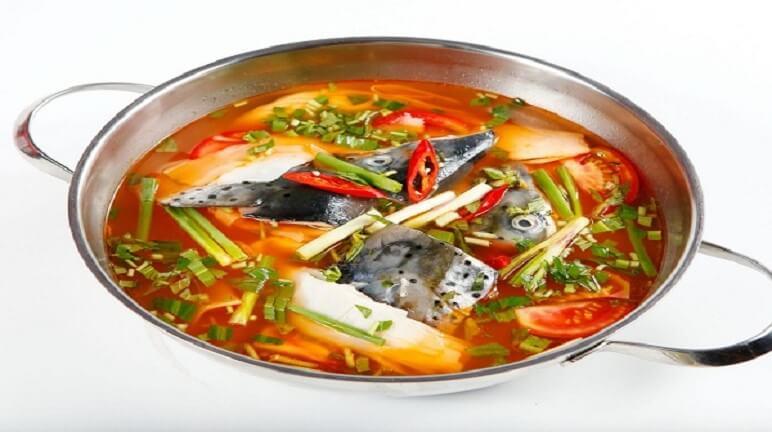 Bí quyết cho một ngày sảng khoái với cách nấu lẩu Thái cá hồi đậm đà hương vị