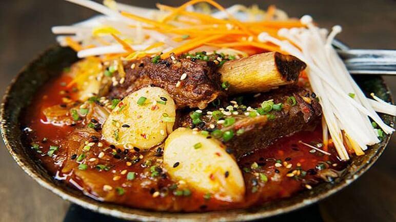 Canh khoai tây kim chi hàn quốc thơm nồng, hấp dẫn