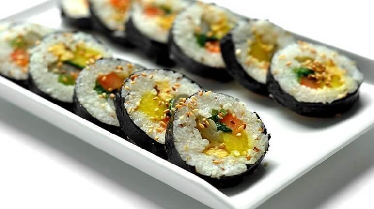 Hướng dẫn cách làm cơm sushi Nhật tại nhà vô cùng đơn giản