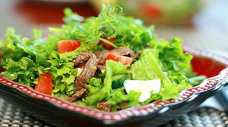Đơn giản đầy dinh dưỡng với món salad thịt bò thơm ngon
