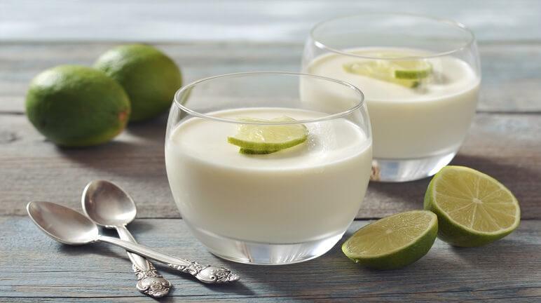 Giải nhiệt với sữa chua chanh dừa mát lạnh