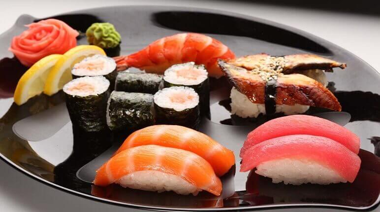 Cách dùng gạo Nhật làm sushi mềm dẻo thơm ngon