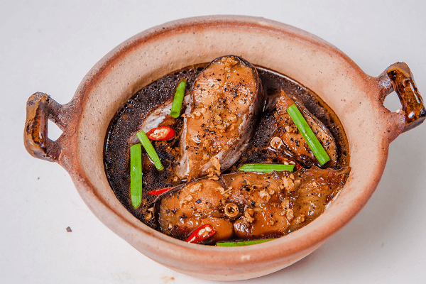 Cách làm cá basa kho tộ ngon đúng điệu đưa cơm tại nhà