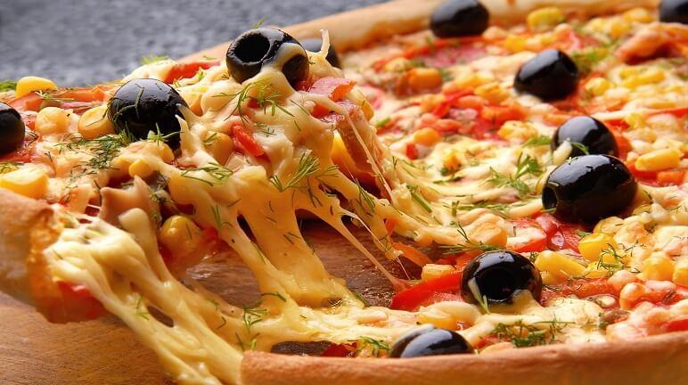 Pizza làm từ vỏ bánh pastry vừa ngon mà vừa lạ cho bạn
