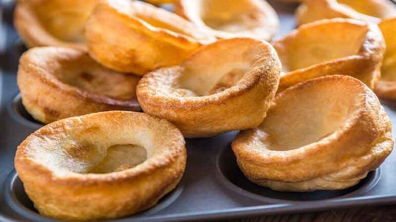 Cách làm bánh Yorkshire pudding ngon mê ly