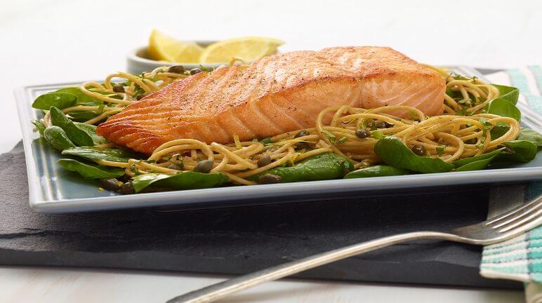 Cách nấu mì Ý cá hồi ngon đúng chuẩn châu Âu