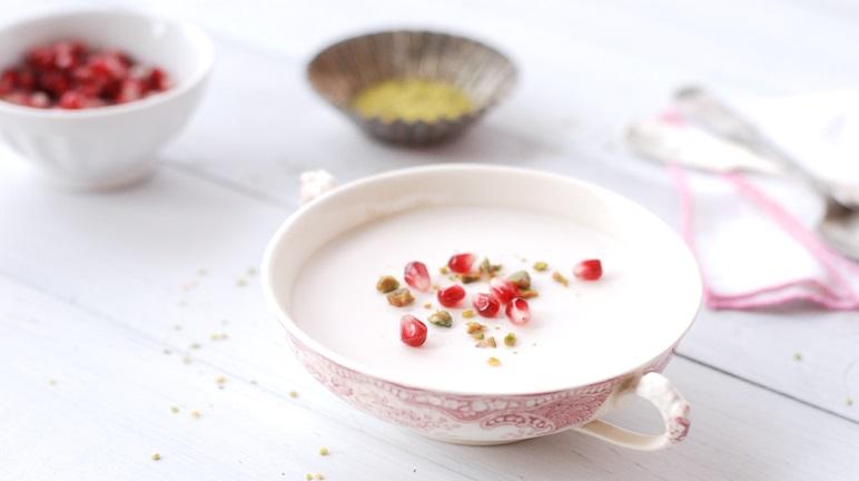 Cách làm sữa chua dẻo vị lựu chua chua ngọt ngọt