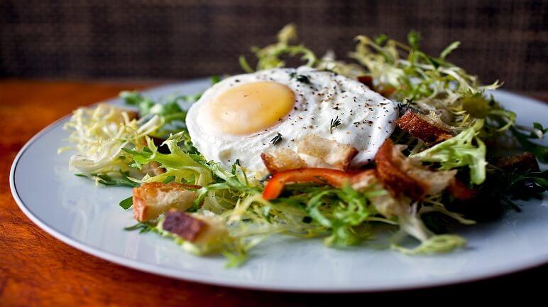 Salad trứng kiểu pháp – Món ăn nhanh gọn cho người bận rộn