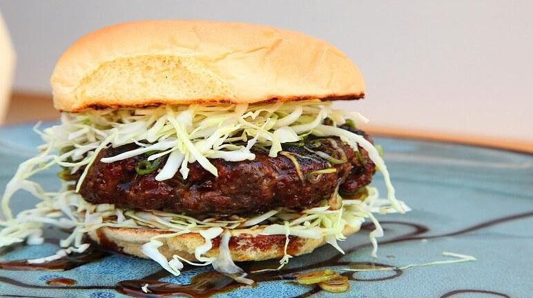 Hamburger Hàn quốc – Món kết hợp giữa ẩm thực Á và Âu