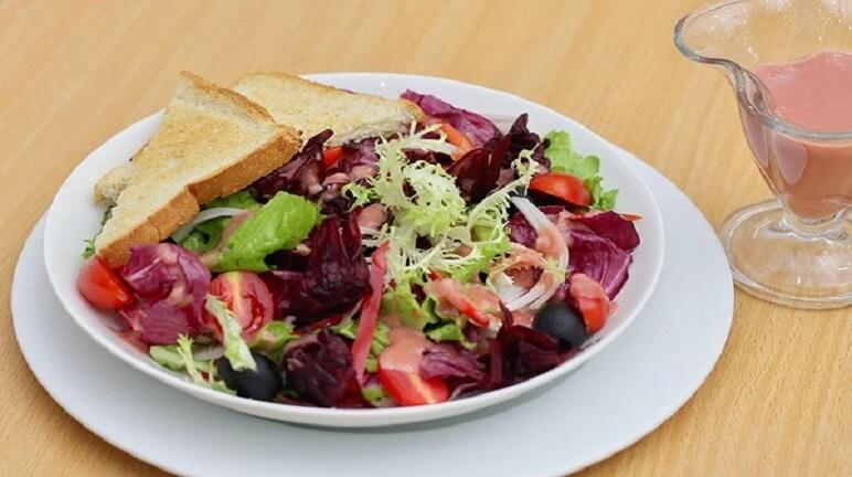 Ngon miệng không ngấy với cách làm salad rau củ đủ loại