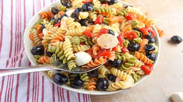 Salad pasta sắc màu - Cho cuộc sống thêm màu thêm vị