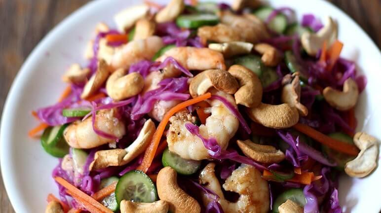 Ngon miệng thơm mát với cách làm salad bắp cải tím