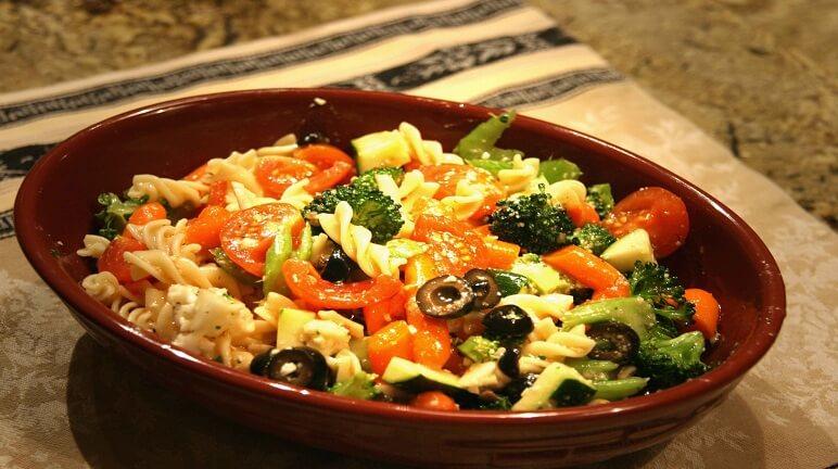 Giải nhiệt cái nóng oi bức ngày hè bằng pasta salad