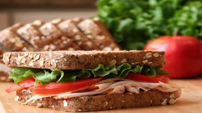 Cách làm bánh sandwich kẹp cho buổi sáng cuối tuần ngon khó cưỡng