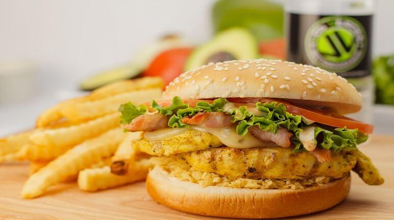 Cách làm hamburger gà siêu ngon cho bữa sáng thật hấp dẫn