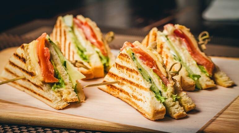 Bữa sáng đầy năng lượng với cách làm bánh sandwich đơn giản