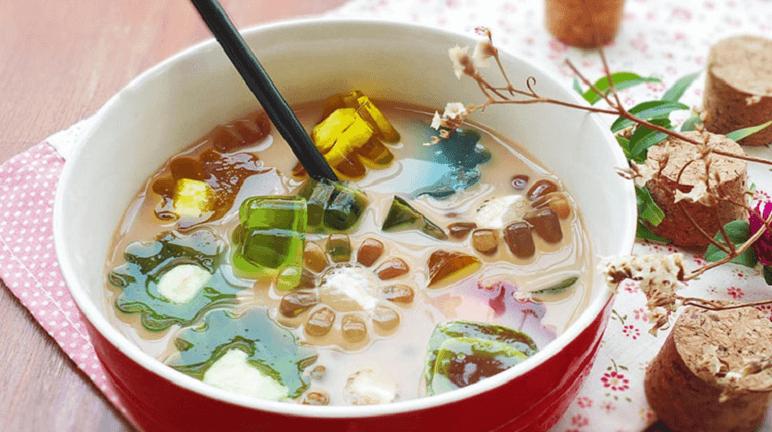 Cách làm trà sữa thạch rau câu vừa ngon, vừa hấp dẫn, nhiều màu sắc