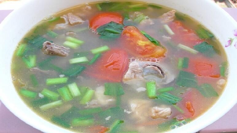 Cách nấu canh thịt bò cà chua dễ ăn đầy dinh dưỡng