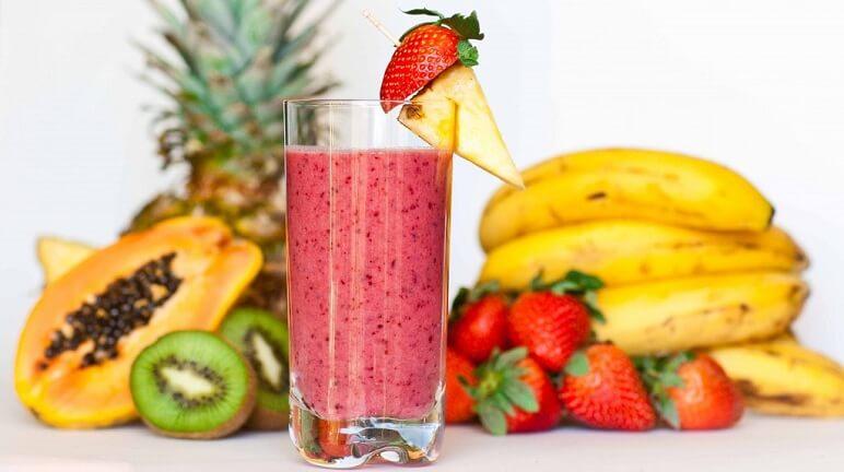 Thoáng mát ngày hè với cách làm sinh tố hoa quả tại nhà