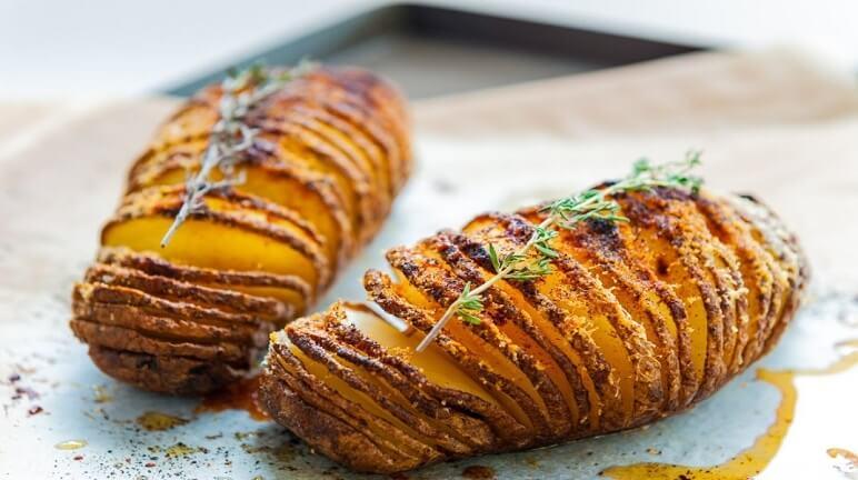 Cùng nhau chi sẻ về cách làm khoai tây nướngthơm đặc trưng