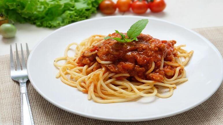 Hướng dẫn cách làm spaghetti ngon hấp dẫn đậm hương vị của Ý