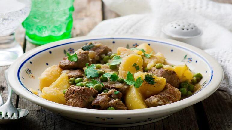 Thơm ngon và bổ dưỡng với món bò xào khoai tây hấp dẫn