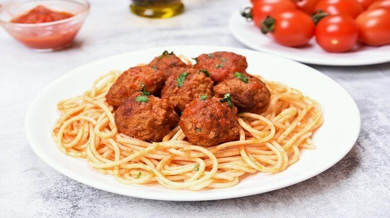 Hướng dẫn cách làm mì spaghetti bò viên ngon cực và vô cùng hấp dẫn