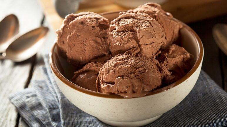 Giải nhiệt ngày hè nóng nực với cách làm kem tươi socola tại nhà