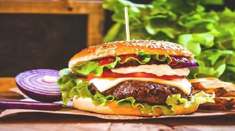 Ngon như hàng quán với cách làm hamburger ngon ngay tại nhà