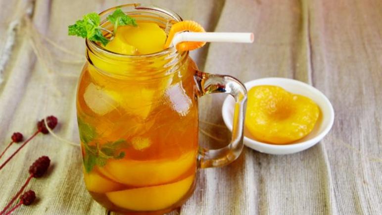Công thức pha trà đào cam sả thanh mát khiến chị em mê mẩn